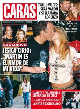 Jésica Cirio y Martín Insaurralde, beso y tapa de revista