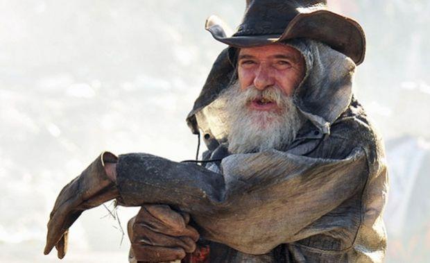 Avenida Brasil: la dura historia de vida del actor que encarna al ...
