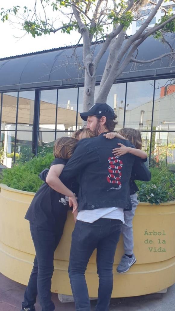 """La dulce foto de Benjamín Vicuña del esperado reencuentro con sus hijos: """"Árbol de la vida"""""""