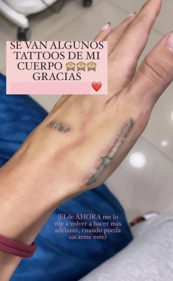 """Mica Tinelli mostró el tattoo que más la avergüenza antes de borrárselo: """"No sé que tenía en la cabeza"""""""