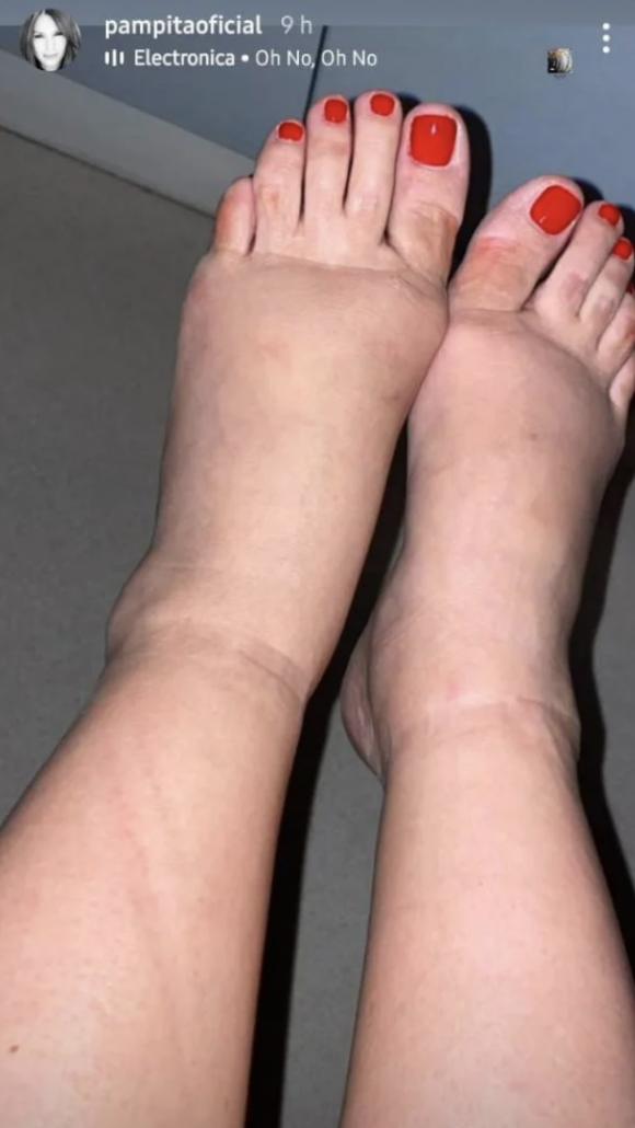 Pampita mostró cómo quedaron sus pies tras usar tacos en La Academia, en la recta final de su embarazo