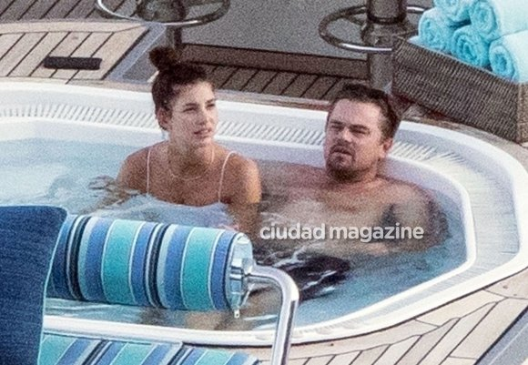 Leonardo DiCaprio, mimoso en un jacuzzi con su novia argentina, Camila Morrone, en Positano