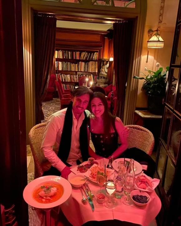 """El álbum íntimo de Pampita junto a Roberto García Moritán en su luna de miel en París: """"¡Hace frío, pero estamos felices!"""""""